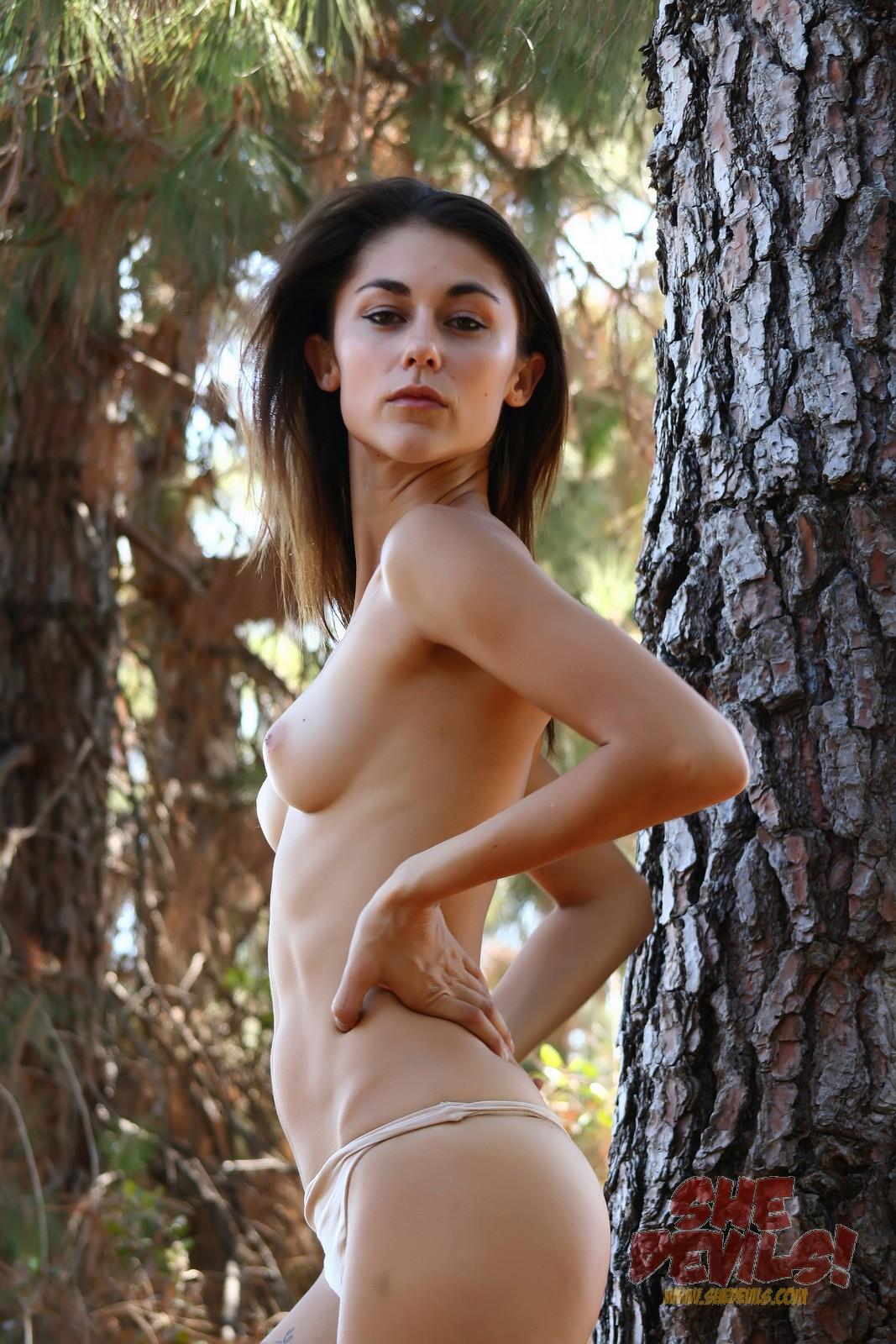 topless-4